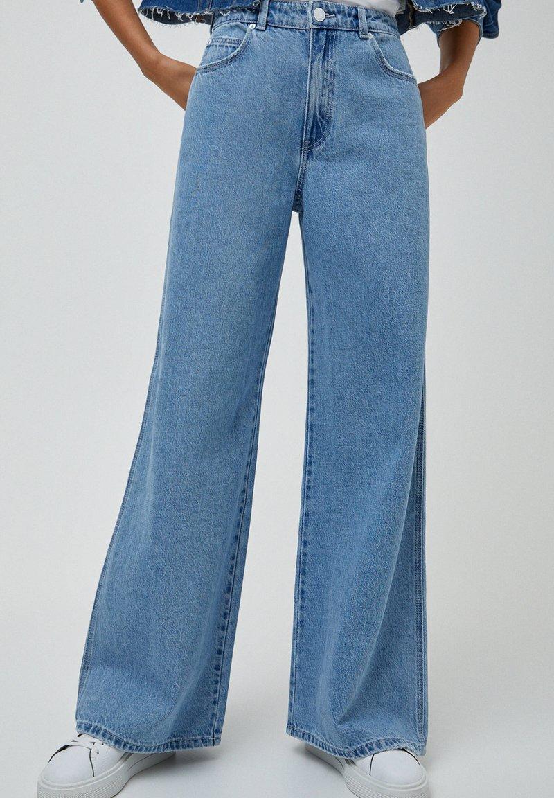 PULL&BEAR - Jeans a zampa - light blue