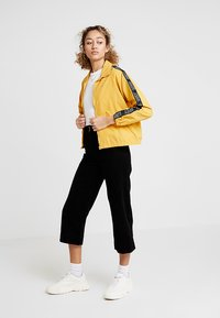 Obey Clothing - JAX TRACK ZIP - Summer jacket - mustard - 1