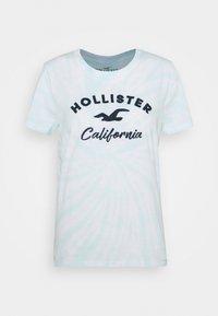 Hollister Co. - TECH CORE UPDATES - Print T-shirt - blue - 3