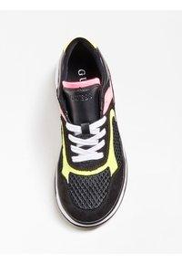 Guess - Sneakersy niskie - schwarz - 3