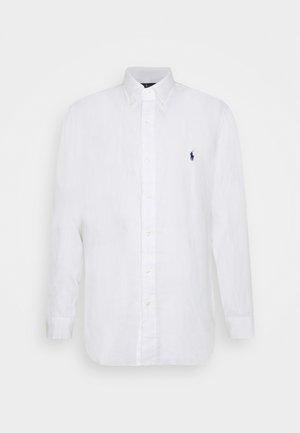 CUSTOM FIT LINEN SHIRT - Camicia - white