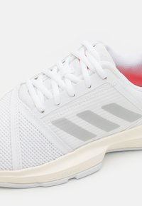 adidas Performance - COURTJAM BOUNCE - Multicourt tennis shoes - footweare white/silver metallic/solar red - 5