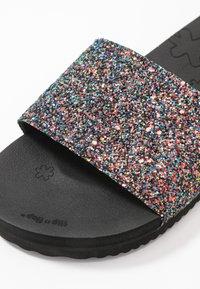flip*flop - POOL SHIMMER - Pantofle - black - 2