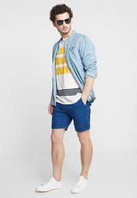Selected Homme - SLHSTRAIGHT PARIS - Shorts - navy peony - 1