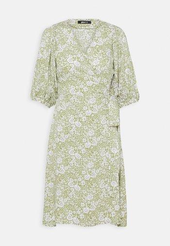 DITA DRESS - Kjole - green/white