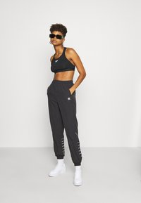 adidas Originals - LOGO - Trainingsbroek - black/white - 1