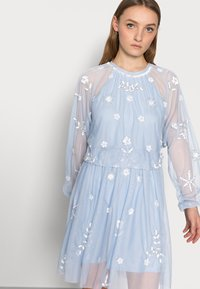 SISTA GLAM PETITE - SAFIE - Cocktail dress / Party dress - pale blue - 3