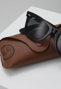 Ray-Ban - 0RB2140 ORIGINAL WAYFARER - Sunglasses - top grey on havana - 2