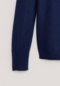 Massimo Dutti - MIT SEITLICHER SCHLEIFE AM AUSSCHNITT  - Sweatshirt - dark blue - 6