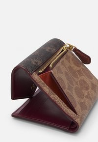 Coach - SIGNATURE CARRIAGE SMALL WALLET - Wallet - tan/brown/rust - 3