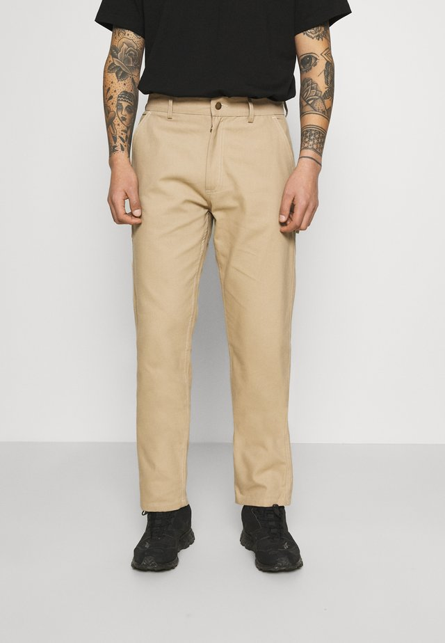 WORKWEAR CARPENTER PANTS - Stoffhose - camel