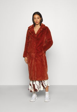 LONG COAT - Classic coat - picante