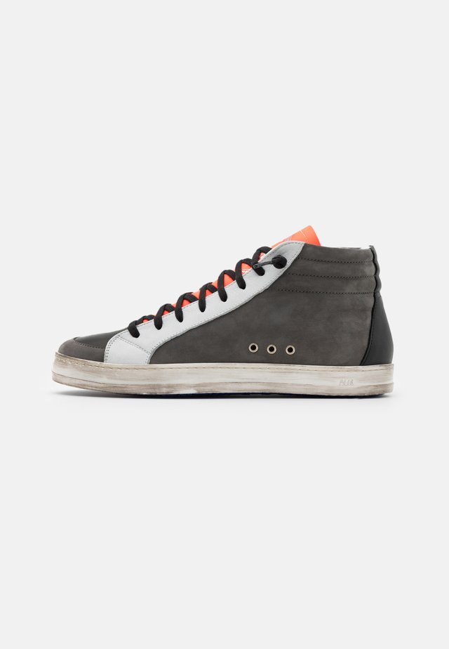 Sneakers high - alabama