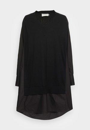 RADISH - Robe pull - black