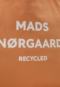 Mads Nørgaard - BOUTIQUE ATHENE - Tote bag - apricot/white - 4
