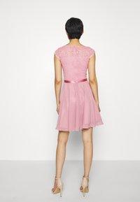 Swing - Koktejlové šaty/ šaty na párty - cherry blossom - 2