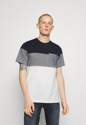 JJCONTRAST POCKET TEE CREW NECK - T-Shirt print - navy blazer