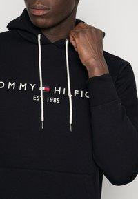 Tommy Hilfiger - LOGO HOODY - Sweat à capuche - black - 4