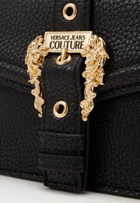 Versace Jeans Couture - DISCOBAGCOUTURE  - Across body bag - nero - 4