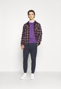 Jack & Jones - JJIGORDON JJLANE  - Tracksuit bottoms - navy blazer - 1