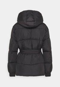 Tommy Jeans - BELTED PUFFER - Veste d'hiver - black - 9