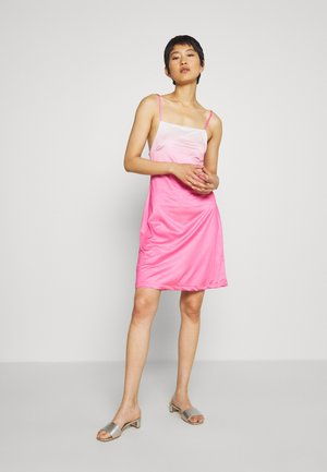 RILEY OLIVIA DRESS - Robe en jersey - pink