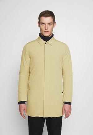 TECHNICAL - Short coat - sand