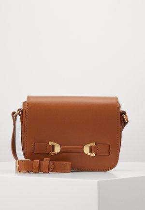 MATHILDE - Across body bag - caramel