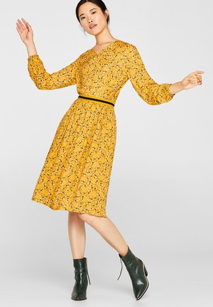 MIT JERSEY-BÜNDCHEN - A-line skirt - honey yellow