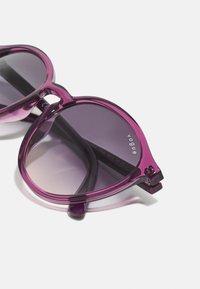 VOGUE Eyewear - Occhiali da sole - violet transparent - 4