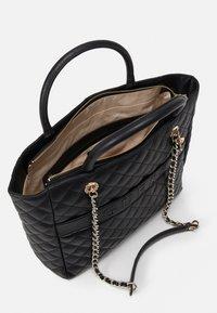 Guess - ILLY ELITE TOTE - Handbag - black - 2