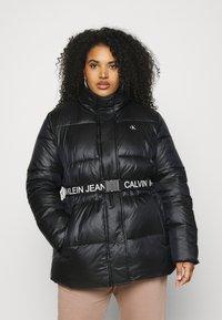 Calvin Klein Jeans Plus - LOGO BELT PUFFER - Short coat - black - 0