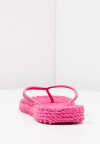 Ilse Jacobsen - CHEERFUL - Pool shoes - warm pink - 4
