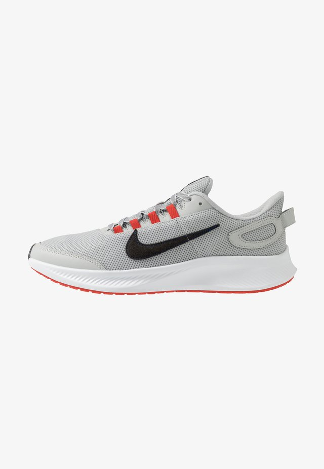 RUNALLDAY 2 - Scarpe running neutre - grey fog/black/chile red/racer blue
