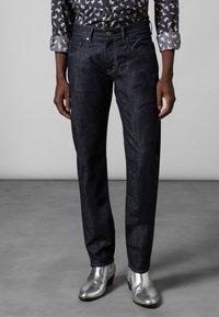 Baldessarini - 5-POCKET JACK - Straight leg jeans - dark blue rinsed - 1