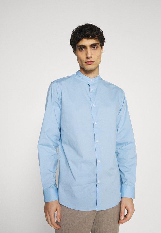 SLHSLIMBROOKLYN  - Camicia - light blue