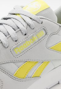 Reebok Classic - Tenisky - pure grey/chartreuse/white - 5
