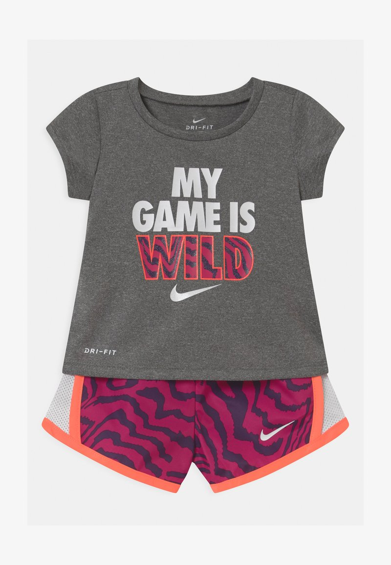 Nike Sportswear - TEMPO SET - Kraťasy - fireberry