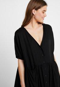 Monki - TEODORA DRESS - Robe chemise - black - 4