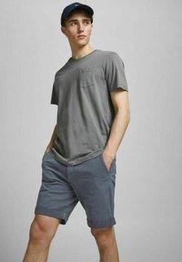 Jack & Jones - Shorts - vintage indigo - 3