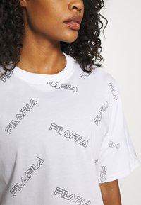 Fila - JAMILIA WIDE CROPPED TEE - Print T-shirt - bright white - 3