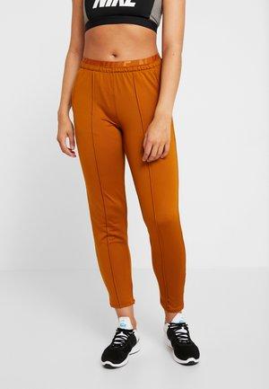 TRACK PANT - Spodnie treningowe - burnt sienna/reflective silv