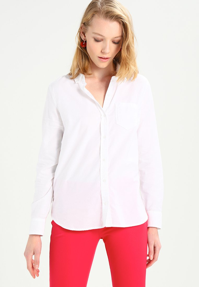 GAP - FITTED BOYFRIEND  - Skjortebluser - optic white