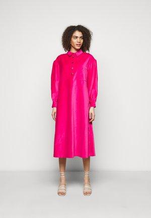 CARIN - Sukienka koszulowa - fuchsia pink
