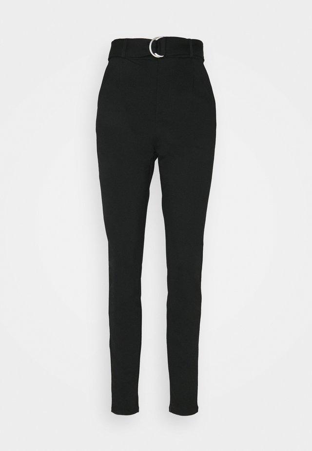 VMEVA LOOSE BELT PANT - Trousers - black
