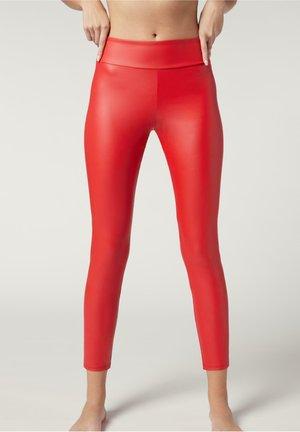 MIT LEDER-EFFEKT - Leggings - Stockings - rot -  shiny red