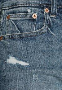 GAP - DARRO DEST - Denim shorts - medium wash - 2