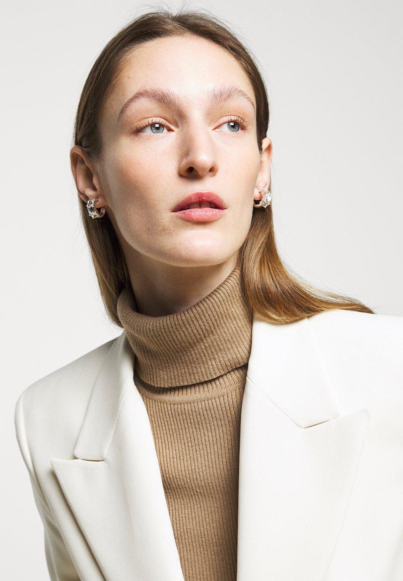 Lauren Ralph Lauren - BAGUETTE HUGGIE - Earrings - silver-coloured