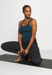 Sweaty Betty - SUPER SCULPT 7/8 YOGA LEGGINGS - Legging - black marl - 1