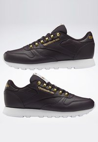 Reebok Classic - CLASSIC LEATHER SHOES - Trainers - red - 6